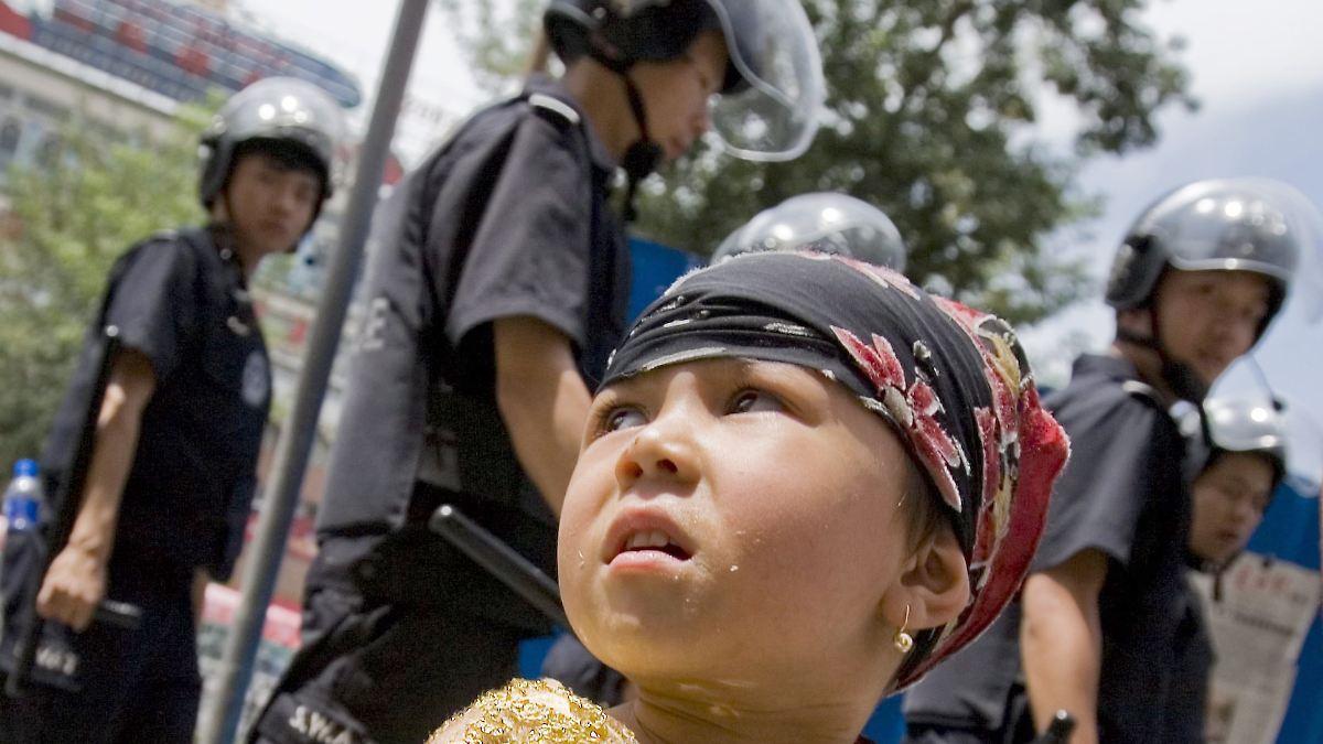 China straft alltägliche Taten der Uiguren