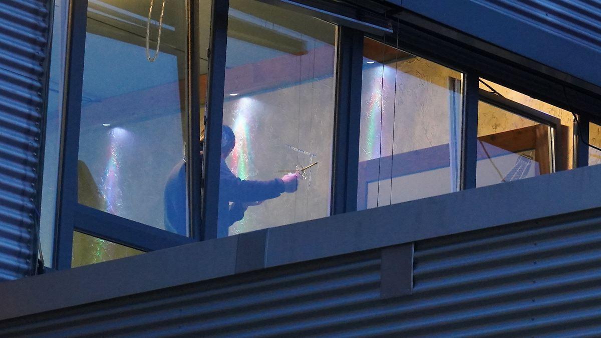 Unbekannte schießen auf Shisha-Bar in Stuttgart