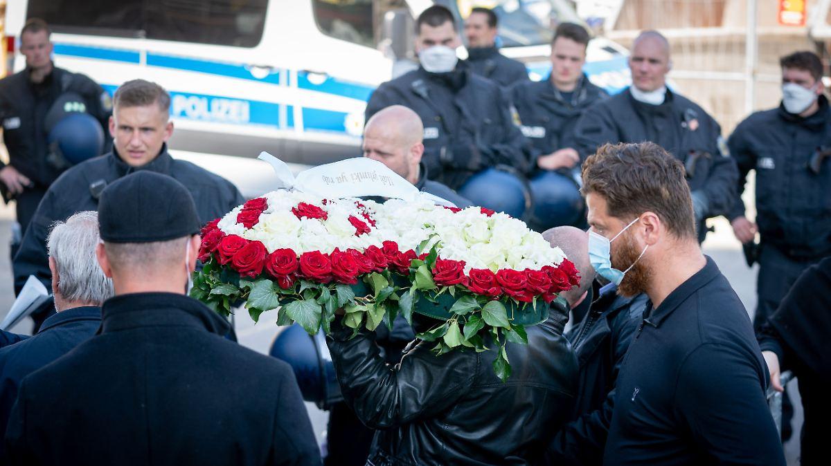 Polizei schirmt Beerdigung im Clan-Mileu ab