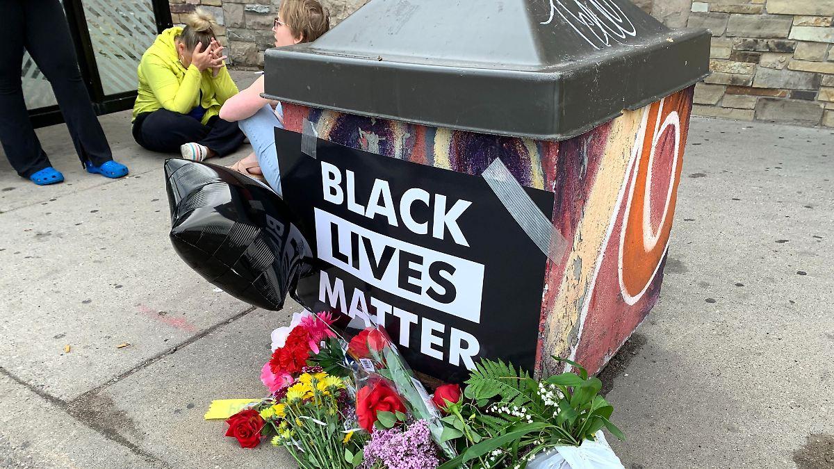 Schwarzer stirbt nach brutalem Polizeieinsatz