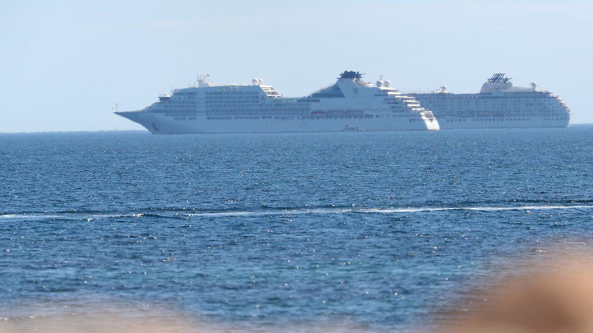 Schiffscrew-Mitglied begeht offenbar Suizid