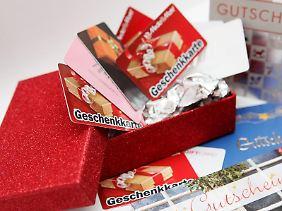 Gutscheine sind ein beliebtes Geschenk. Dabei sollten Käufer und Beschenkte aber auf einiges achten.