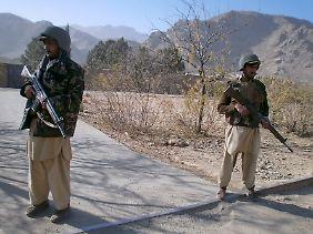 Pakistanische Paramilitärs.
