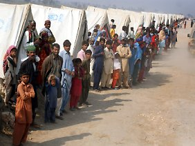 Tausende Pakistaner wurden obdachlos.