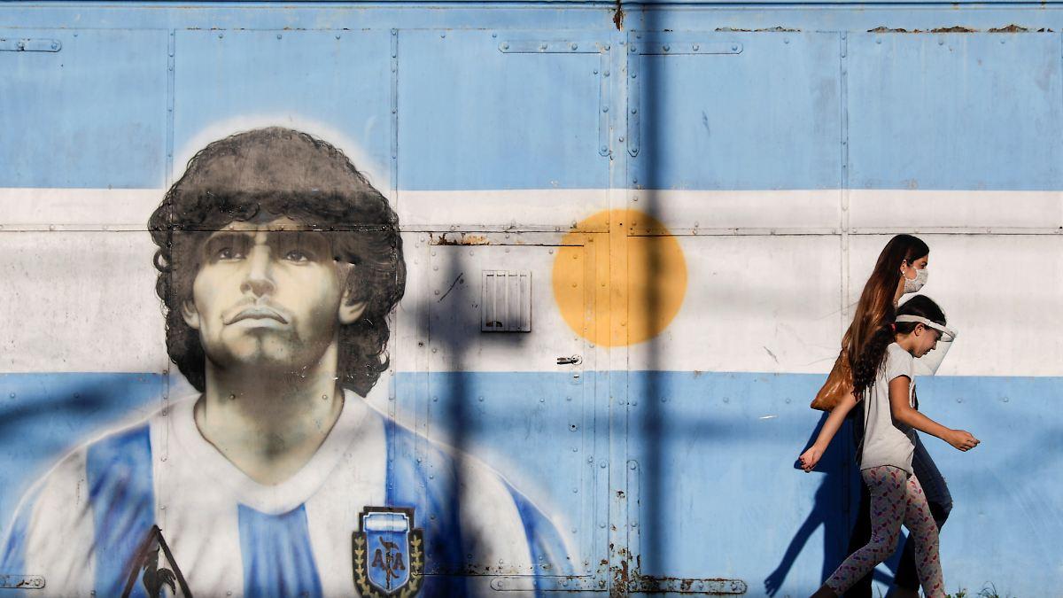 -Geschlafen-und-normal-geatmet-Pfleger-will-Maradona-zuletzt-gesehen-haben