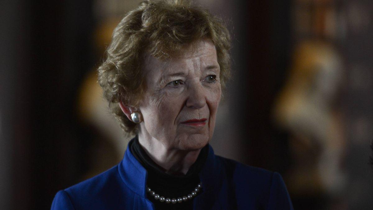 """Irlands Ex-Präsidentin bereut """"Naivität"""""""