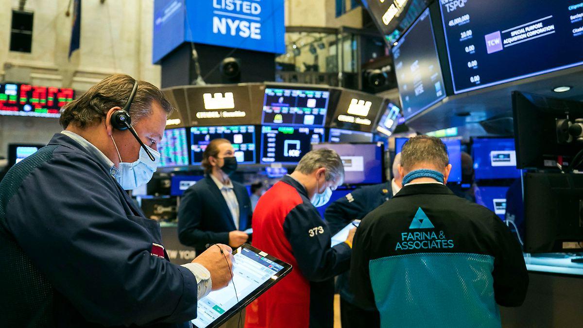 Dow Jones schließt mit Minus:Wall-Street-Rally vorerst beendet - n-tv NACHRICHTEN