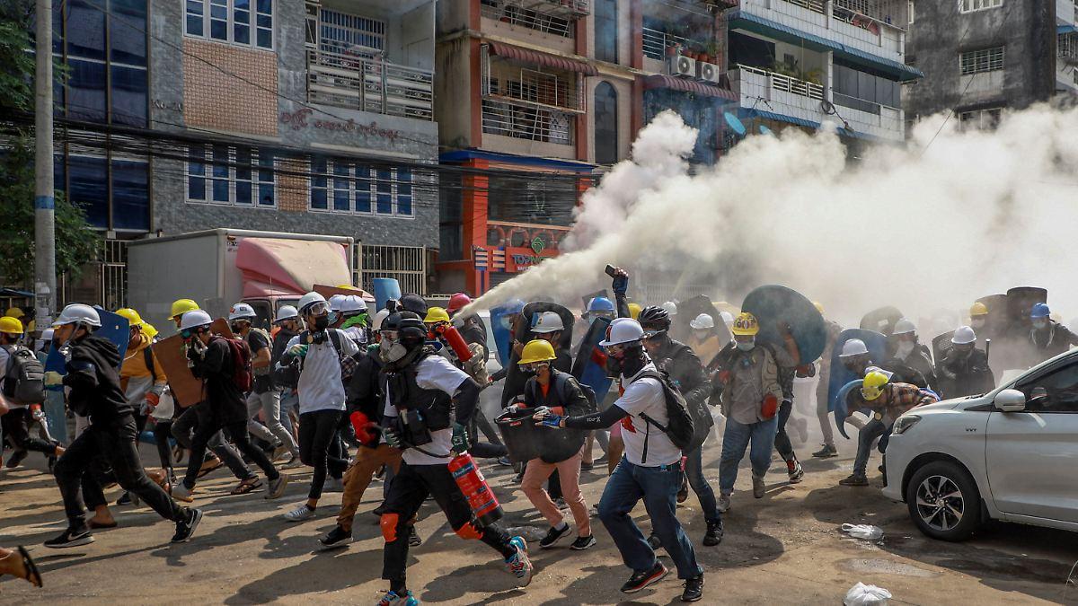 Mindestens 38 Tote bei Protesten:Myanmar erlebt