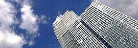 Offene Immobilienfonds investieren ihr Geld oft in Bürogebäude - im Zuge der Finanzkrise 2008 bekamen viele Fonds Probleme.