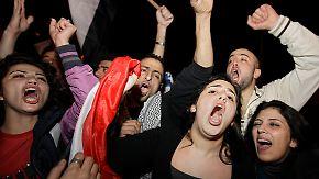 Rücktritt mit Signalwirkung: Beirut und Amman feiern mit