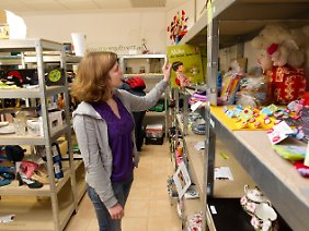 "In dem Geschäft ""meinregalbrett"" können Kunden Regalflächen mieten."