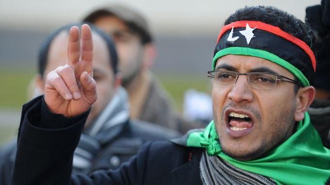 Merkel droht mit Sanktionen: Gaddafi erklärt seinem Volk den Krieg