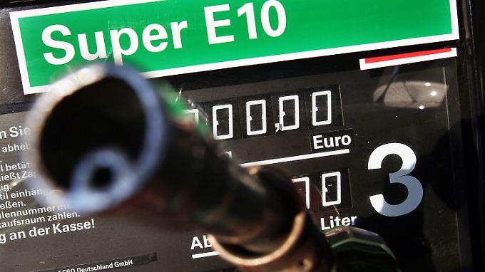Tankverbot bei Düsseldorfer Polizei: Verbraucher boykottieren Biosprit E10