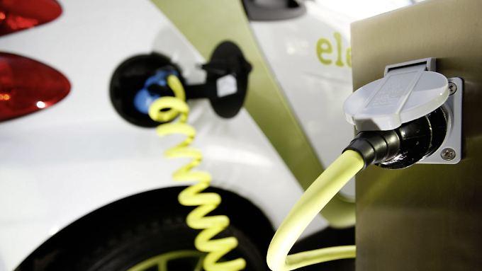 Der kritische Punkt für die Akzeptanz von Elektroautos wird wohl der Benzinpreis bleiben.