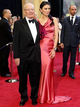 Murdoch an der Seite seiner Frau Wendi Deng bei der Oscar-Verleihung und...