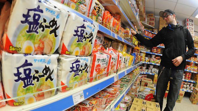 """Das Fachgeschäft """"Dae Yang"""" in Düsseldorf verkauft japanische und koreanische Lebensmittel in."""