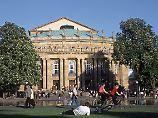 Das Opernhaus ist nur eine von vielen Spielstätten - in Stuttgart locken auch das Friedrichsbau Variete, rund 40 Theater und die Musicalhäuser Apollo und Palladium.