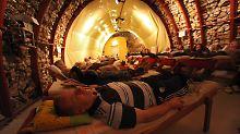 In dem Stollen werden seit rund 100 Jahren Patienten mit dem aus dem Berg strömenden radioaktiven Gas Radon behandelt.