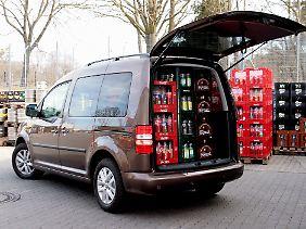 Gewappnet für eine große Party: In den Caddy gehen mindestens 35 Getränkekisten.
