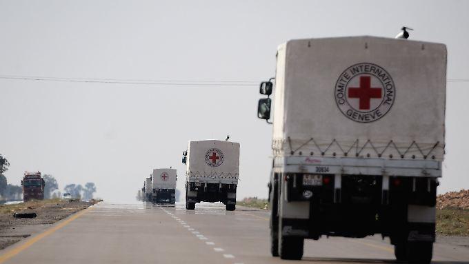Die ersten Hilfslieferungen haben die Grenze nach Libyen bereits passiert.