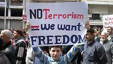 Zehntausende in Syrien auf der Straße: Assad lässt auf Demonstranten schießen
