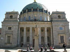 St. Blasien punktet mit seinem 1781 fertiggestellten Dom - dessen Kuppel hat einen Durchmesser von 36 Metern und gilt als drittgrößte in Europa.