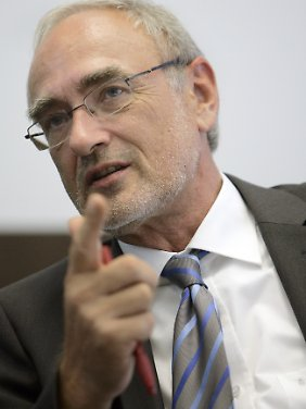 ...sieht IG-Metall-Vizechef Detlef Wetzel eher die Risiken.