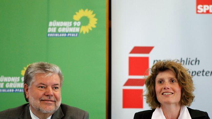 Grünen-Landeschefin Lemke mit Ministerpräsident Beck.