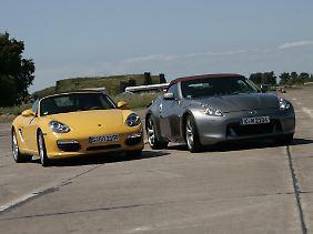 Geschlossene Gesellschaft: Beide Roadster vertrauen auf die traditionelle Stoffhaube.