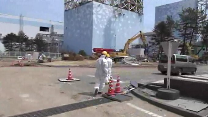 Die Arbeiter in Fukushima dürfen nur kurze Zeit in der Anlage verweilen, weil die aufgenommene Strahlendosis sonst zu hoch wird.