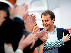 Spaniens Regierungschef Zapatero steht unter Reformdruck.