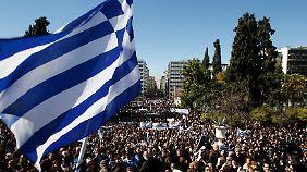 Umschuldung oder nicht - Leidtragende sind am Ende so oder so die Bürger Griechenlands.