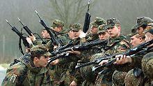 Einsatzarmee oder Heimatschutztruppe: Was wird aus der Bundeswehr?