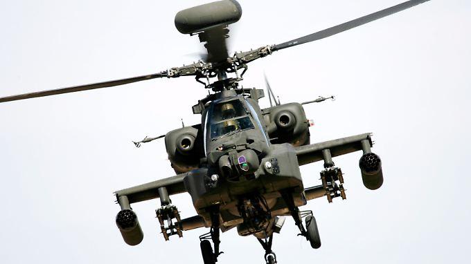 Verstärkte Angriffe auf Libyen: NATO setzt Apache-Hubschrauber ein