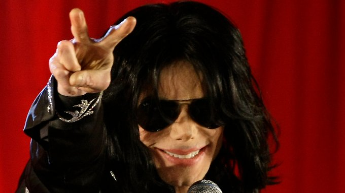 """""""Jacko"""" während einer Pressekonferenz 2009 in London."""