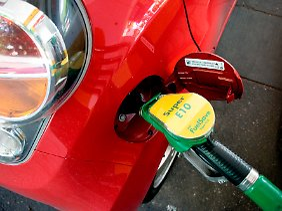 E 10 kein Problem: Im Test verbrauchte der Spark 5,7 Liter je 100 Kilometer.