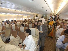 """... gibt es bei vielen Fluggesellschaften mitterweile Alternativen: Immer mehr richten """"Zwischenklassen"""" ein."""