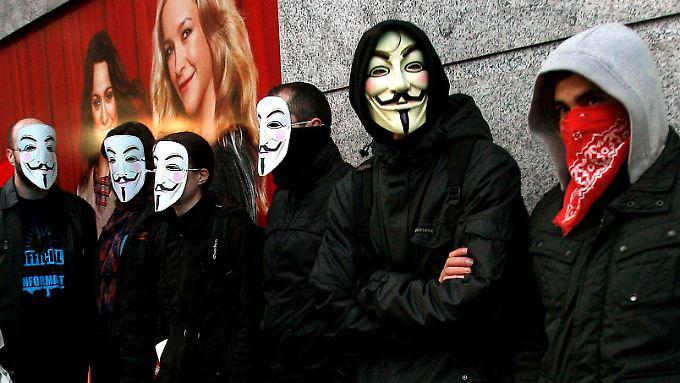 Pro-Anonymous-Demonstranten in Madrid im Januar.