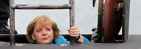 """Ab ins U-Boot: Kanzlerin Merkel eine """"Handlungsreisende""""?l"""