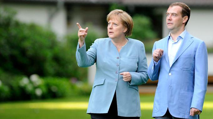 Merkel und Medwedew in Hannover: Quadriga-Preis überschattet Treffen