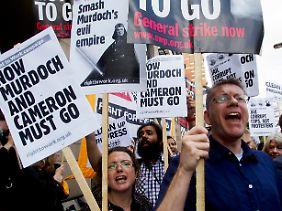 """""""Britischer Frühling""""? Die Briten befreien sich zumindest für einen Moment aus der Umklammerung der Murdoch-Medien."""