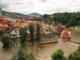 Cesky Krumlov 2002 während einer schweren Überschwemmung.
