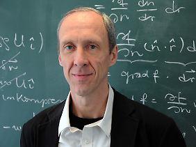 Er kennt sich aus mit Unendlichkeiten: Prof. Dr. Achim Feldmeier vom Institut für Physik und Astronomie der Universität Potsdam.