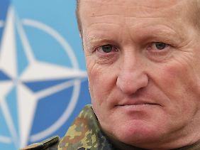 Bundeswehrgeneral Erhard Bühler hatte am 1. Oktober 2010 das Oberkommando der KFOR übernommen.