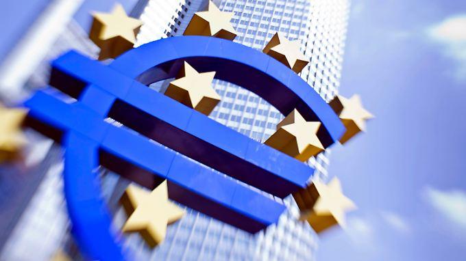 Skepsis bei vielen Experten: EZB kauft Schuldenpapiere