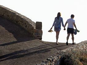 Badeurlaub mit Gattin Carla Bruni-Sarkozy: So erholt sich ein Staatspräsident heute.