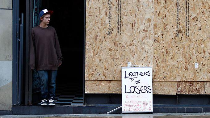 Drei Tote in Birmingham: Tausende schützen ihre Wohnviertel