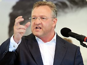Frank Henkel macht Wahlkampf.