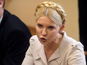 Julia Timoschenko straft das Gericht mit Nichtachtung.