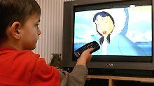 Das Fernsehen ist bei allen Bevölkerungsgruppen beliebt.